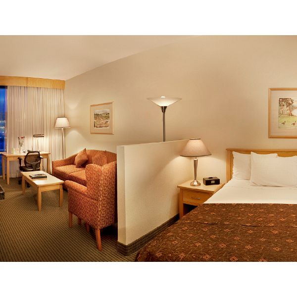 Sofa Beds Kelowna Bc: 1 Night Stay In Executive Suite